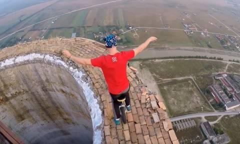 Βίντεο που κόβει την ανάσα: Ποδήλατο με μια ρόδα στην «κορυφή του κόσμου»
