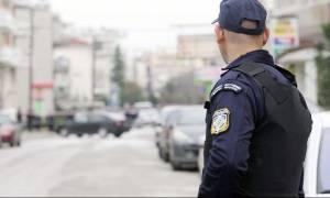 Αίγιο: Ελεύθερος με περιοριστικούς όρους ο ανήλικος που μαχαίρωσε τον αστυνομικό