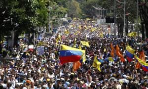 Βενεζουέλα: Ηχηρό μήνυμα - Πάνω ένα εκατομμύριο άνθρωποι διαδήλωσαν κατά του Μαδούρο (Pics & Vids)