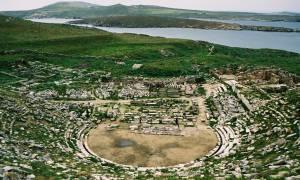 H πρώτη παράσταση μετά από 2.100 χρόνια στο Αρχαίο Θέατρο της Δήλου