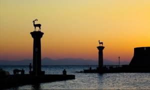 Ρόδος: Στιγμές δόξας ζει ο τουρισμός του νησιού
