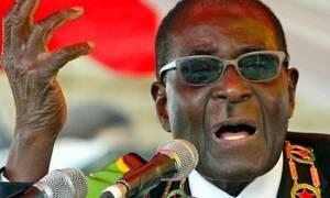 """Ζιμπάμπουε: """"Πέθανα, αλλά αναστήθηκα"""" δηλώνει ο πρόεδρος Μουγκάμπε ειρωνευόμενος"""