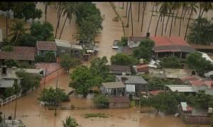 Μεξικό: Ο τυφώνας Νιούτον σαρώνει την χερσόνησο Μπάχα