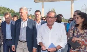 Μουζάλας: «Αδειάζει» η Χίος, στα ηπειρωτικά οι πρόσφυγες