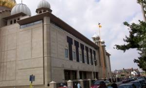 Λήξη συναγερμού στη Βρετανία - 55 συλλήψεις σε ναό των Σιχ