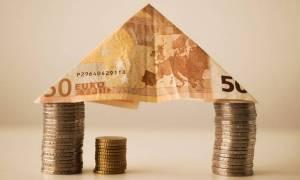 Πλάκωσαν τα «κοράκια» για τα σπίτια των Ελλήνων: Έξι funds θέλουν τα κόκκινα δάνεια!