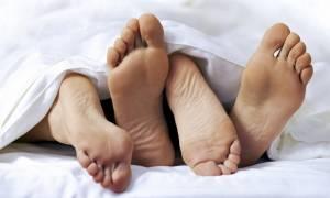 Ζευγάρι χρησιμοποίησε σακούλα αντί για προφυλακτικό και κατέληξε στο νοσοκομείο - Δείτε γιατί