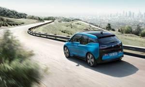 Η ηλεκτρική BMW I3 έχει πλέον αυτονομία τουλάχιστον 200 χιλιομέτρων