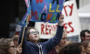 Χιλιάδες πολίτες διαδήλωσαν στο Λονδίνο υπέρ των προσφύγων