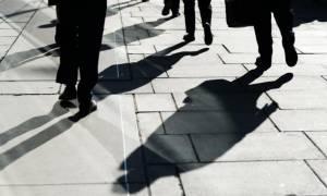 Κόλαση στον ορίζοντα: Μισθοί με την ώρα, μπόνους αντί δώρων, τέλος στη μονιμότητα