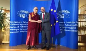 Η Κίνα καταδίκασε την επίσκεψη του Δαλάι Λάμα στο Ευρωπαϊκό Κοινοβούλιο