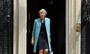 Τερέζα Μέι: Η Βρετανία θα παραμείνει ενεργή στη διεθνή σκηνή παρά το Brexit