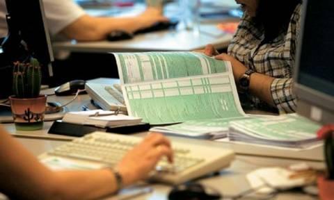 Χρωστάτε και θέλετε φορολογική ενημερότητα; Προσοχή – Έρχονται αυτόματες κατασχέσεις