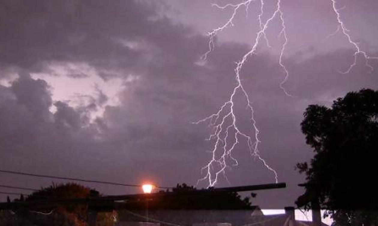 Καιρός: Βροχές και καταιγίδες σαρώνουν τη χώρα