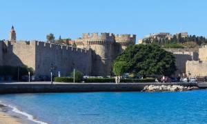 Αυξημένες οι εισπράξεις ΦΠΑ στα νησιά τον Αύγουστο, αλλά η «χασούρα» παραμένει
