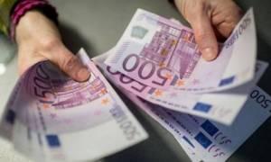 Οι φόροι δεν πληρώνονται, αλλά τα έσοδα αυξάνονται