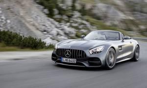 Η εντυπωσιακή Mercedes AMG GT Roadster έχει τουλάχιστον 476 ίππους