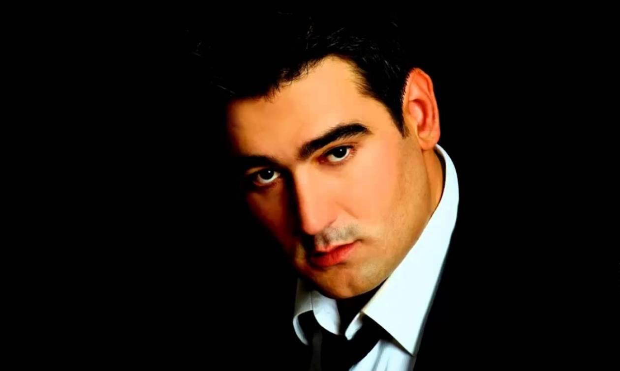 Βρέθηκε νεκρός Έλληνας τραγουδιστής σε ξενοδοχείο