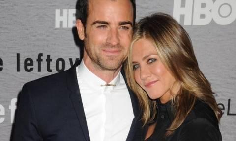 Αυτή είναι η καλύτερη εκδίκηση της Jennifer! Δες τη σε βραδινή έξοδο αγκαλιά με τον Justin Theroux