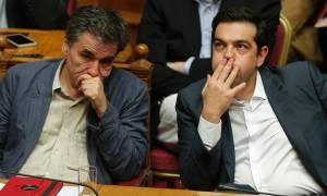 Χαριστική βολή στην κυβέρνηση η απαίτηση του ΔΝΤ για «μαχαίρι» στις συντάξεις