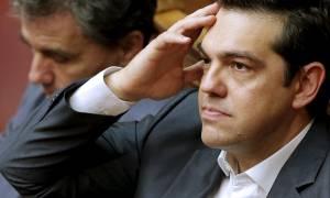 Τρέχει να καλύψει μέτωπα ο Τσίπρας – «Μίνι» υπουργικό στο Μαξίμου