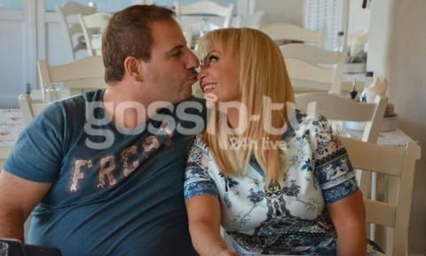 Τέτα Καμπουρέλη: Ρομαντικό δείπνο με τον άντρα της!