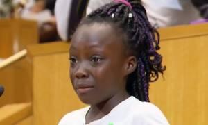 Συγκλονίζει η 9χρονη που μίλησε δακρυσμένη για τις διακρίσεις σε βάρος των Αφροαμερικανών