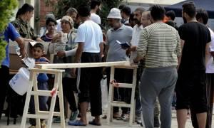Για πάντα εγκλωβισμένοι στα ελληνικά νησιά οι μετανάστες; – Βολές Μέρκελ κατά Τσίπρα