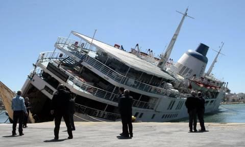 Καμία αδράνεια δεν βλέπει το υπ. Ναυτιλίας για την απομάκρυνση του πλοίου «Παναγία Τήνου»