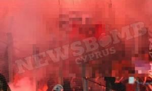 Ολυμπιακός - ΑΠΟΕΛ: Σάλος από τα ακροδεξιά σύμβολα στην κερκίδα των γαλαζοκιτρίνων (photo)