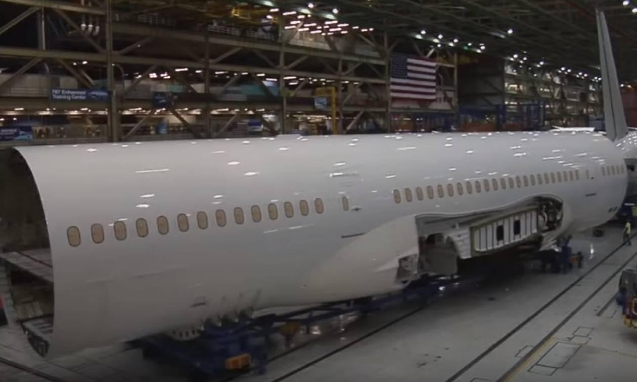 Εκπληκτικό βίντεο – Έτσι «χτίζουν» ένα αεροπλάνο μέσα σε μόλις 4 λεπτά!