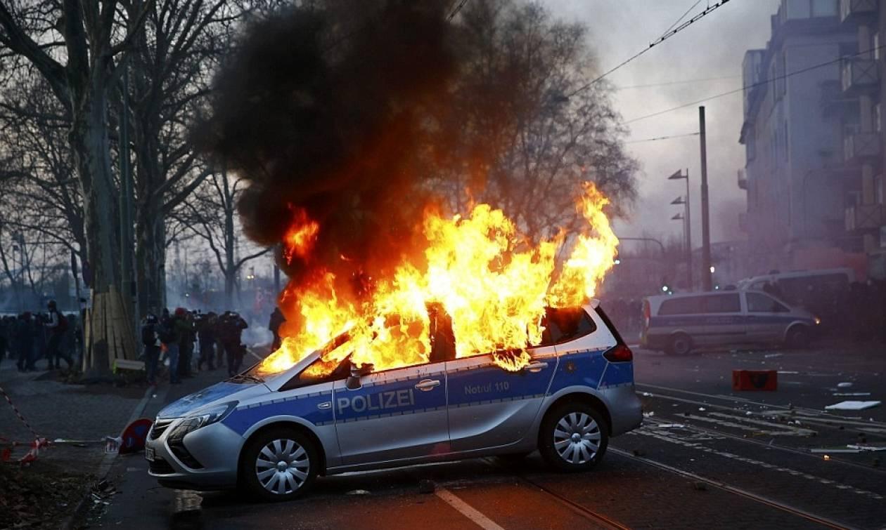 Συναγερμός στη Γερμανία: Βόμβες και εμπρησμοί περιπολικών στη Δρέσδη (Vid)
