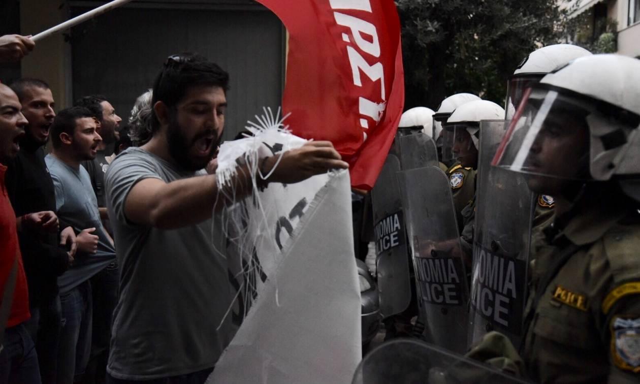 Εκδήλωση - Σκοπευτήριο Καισαριανής: Μικροεπεισόδια πριν μιλήσει ο Τσίπρας