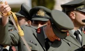 Είσαι στρατιωτικός; Δες πόσα χρήματα θα κόψουν από το μισθό σου (πίνακες)