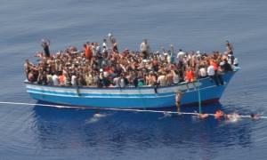 «Απόβαση» στην Ιταλία: 6.055 μετανάστες σε 39 πλεούμενα διασώθηκαν σε μία μόλις ημέρα