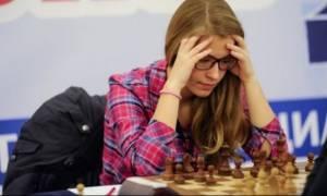 Μια 16χρονη από την Καβάλα παγκόσμια πρωταθλήτρια στο σκάκι! (pics)
