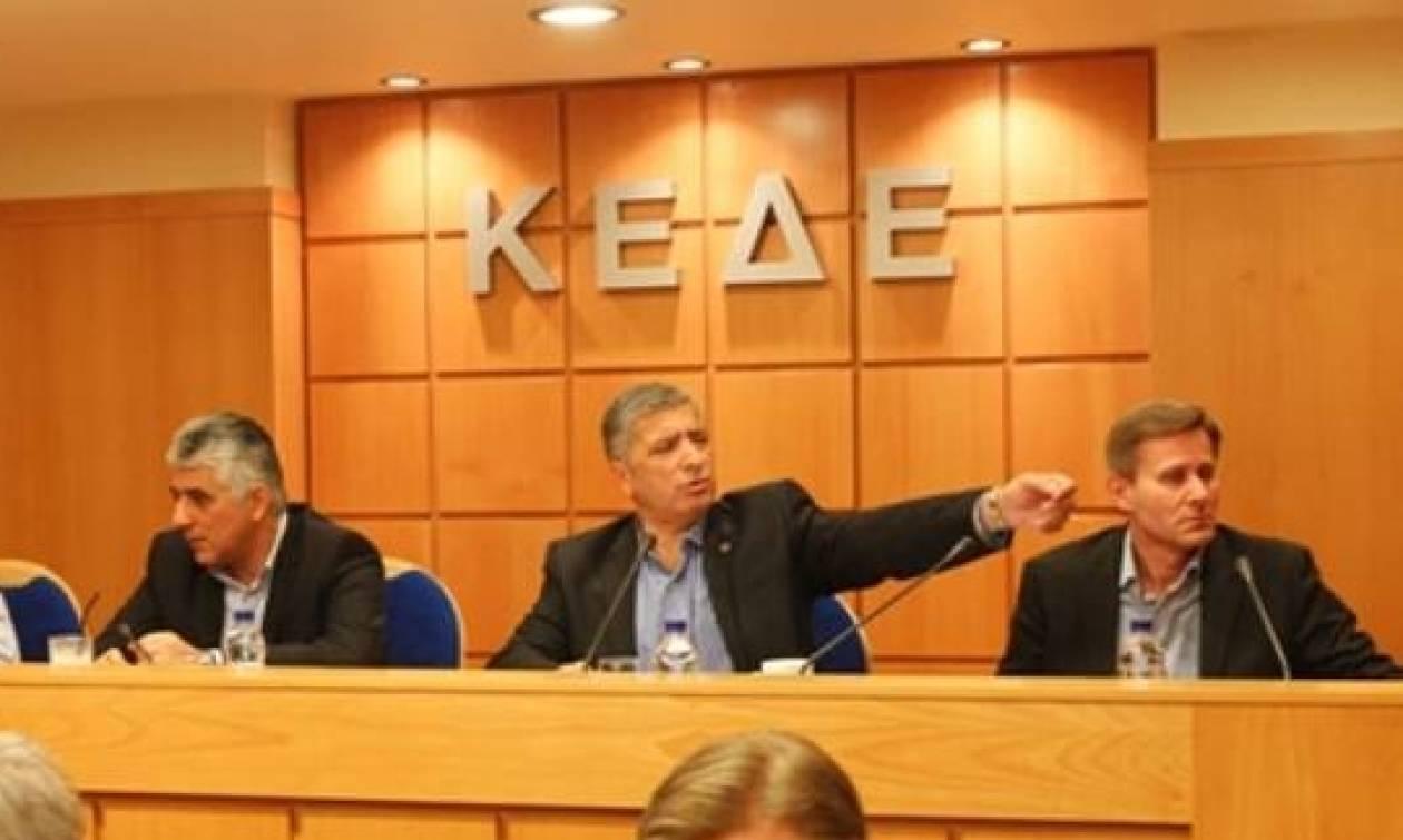 ΚΕΔΕ: Ουδέποτε δεσμεύσαμε θέσεις στο πλαίσιο της Νέας Κοινωφελούς