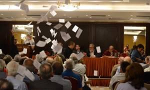 Εισβολή του Ρουβίκωνα σε ομιλία των Σταθάκη - Τσακαλώτου