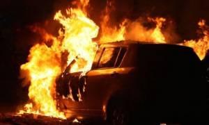 Κρήτη: Κάηκαν καφετέρια, ΙΧ και μηχανή τα ξημερώματα