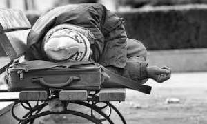 Η Περιφέρεια Αττικής ενισχύει τις δομές αστέγων - Οι δικαιούχοι