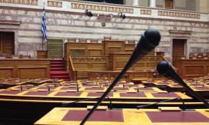 Απορρίφθηκε η αίτηση της ΝΔ για κλήση στη Βουλή των εμπλεκόμενων για τις τηλεοπτικές άδειες
