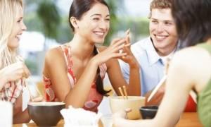 Διατροφή και εφηβεία:Τι πρέπει να τρώνε οι έφηβοι καθημερινά