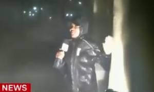 Τυφώνας Μάθιου: Ρεπόρτερ μεταδίδει live από το «μάτι» του τυφώνα (vid)