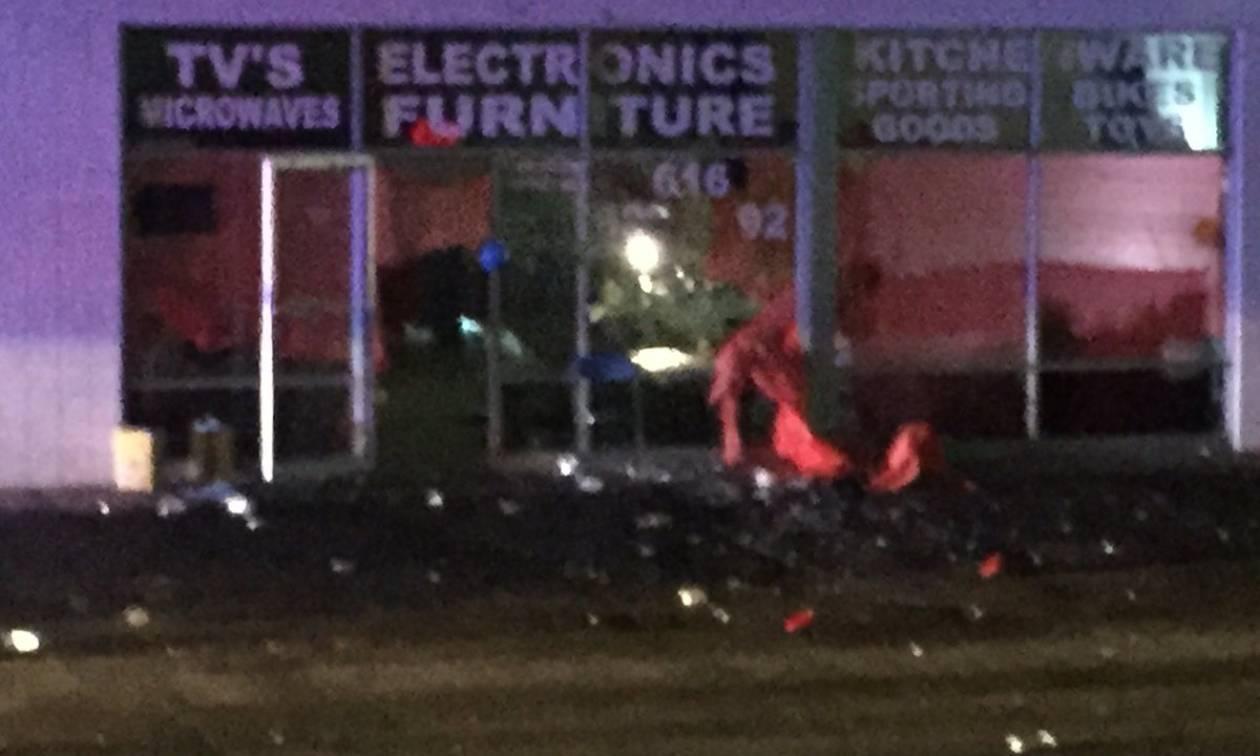 Πυροβολισμοί έξω από νυχτερινό κέντρο - Ένας νεκρός, οχτώ τραυματίες (Pics+Vid)