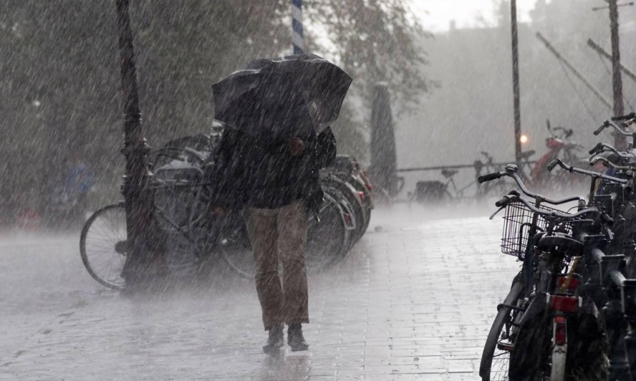 Καιρός: Νέο κύμα κακοκαιρίας θα σαρώσει τη χώρα τη Δευτέρα - Πού θα βρέξει