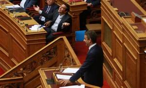 Βουλή LIVE: «Άναψαν» τα αίματα - «Όχι ψευτομαγκιές και ενικό σε εμένα»