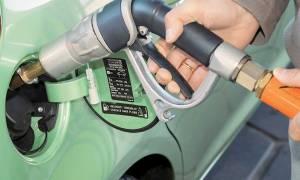 Μας κλέβουν στην αντλία: Λιγότερο καύσιμο από αυτό που πληρώνουμε
