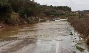 Κακοκαιρία: Κλειστή η παλιά εθνική οδός Ηγουμενίτσας-Ιωαννίνων από την ισχυρή βροχόπτωση