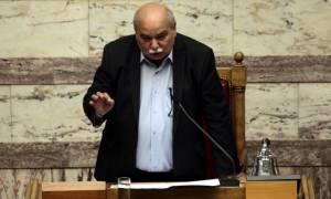 Βουλή: «Σκοτωμός» με Βούτση και βουλευτές της ΝΔ (vid)