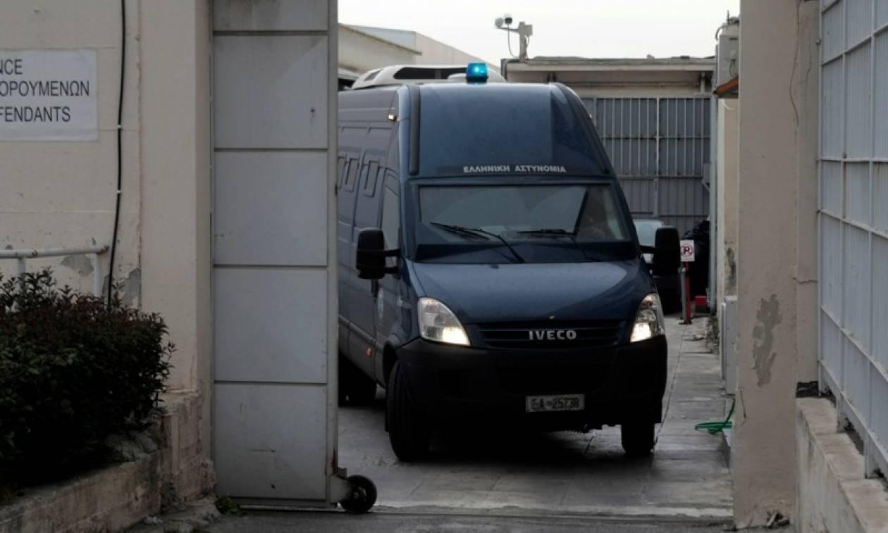 «Μαφιόζικο» χτύπημα: Ανατίναξαν αυτοκίνητο σωφρονιστικού υπαλλήλου των φυλακών Κορυδαλλού